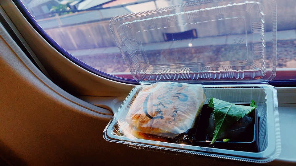 車窓の和菓子