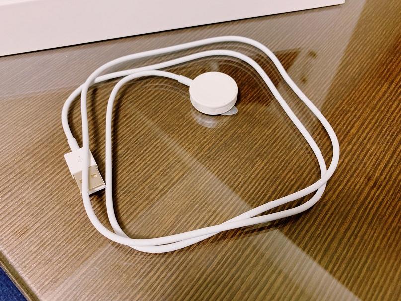 アップルウォッチの充電ケーブル