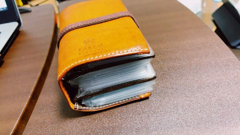 タケオキクチのカードケース