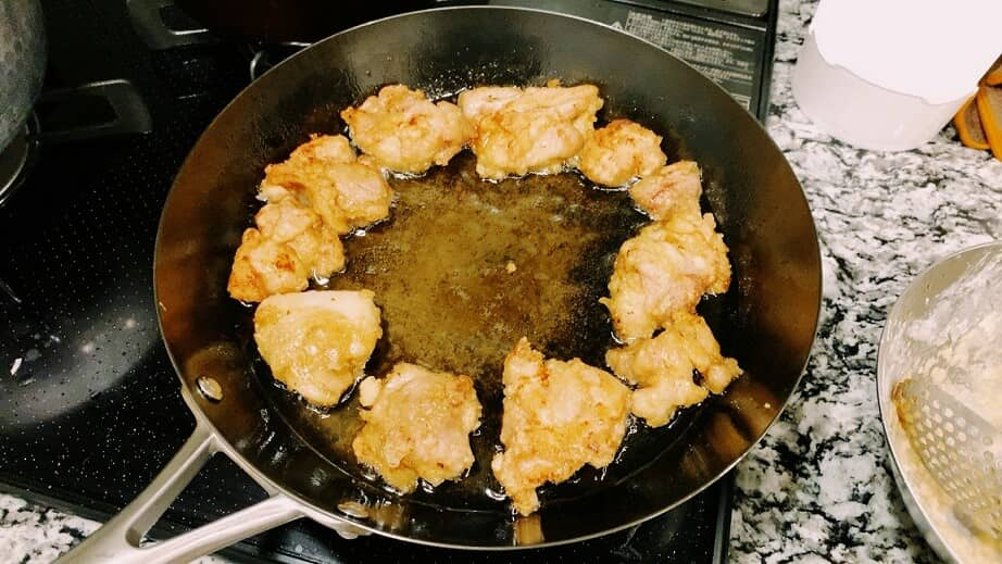 ビタクラフトのスーパー鉄フライパンで唐揚げを揚げ焼き