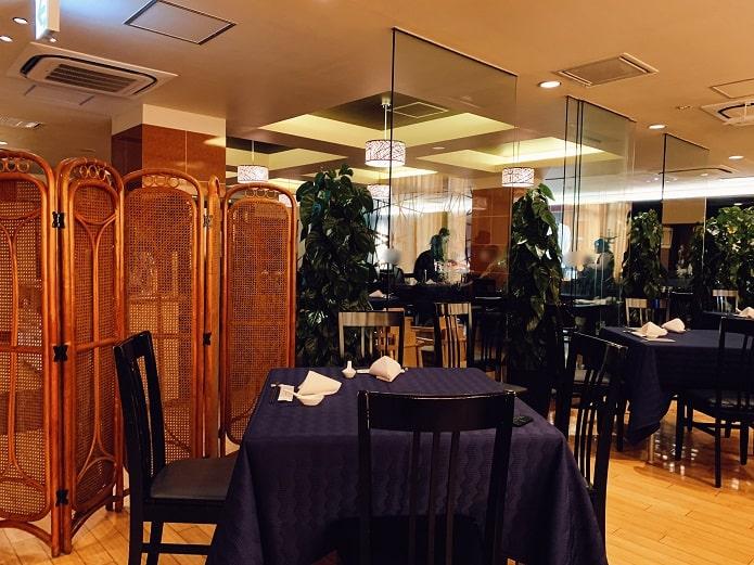 赤坂四川飯店の店内