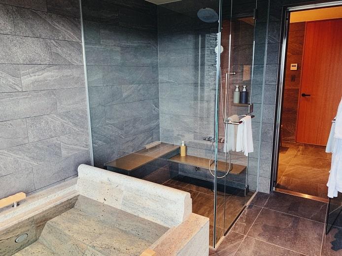 THE HIRAMATSU(ひらまつ)軽井沢 御代田のバスルーム