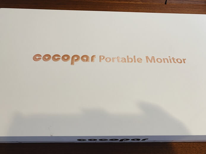 cocoparモバイルモニターの外箱
